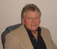 Scott  Bracken